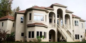 The Villa At Waters Edge in Belmont, North Carolina