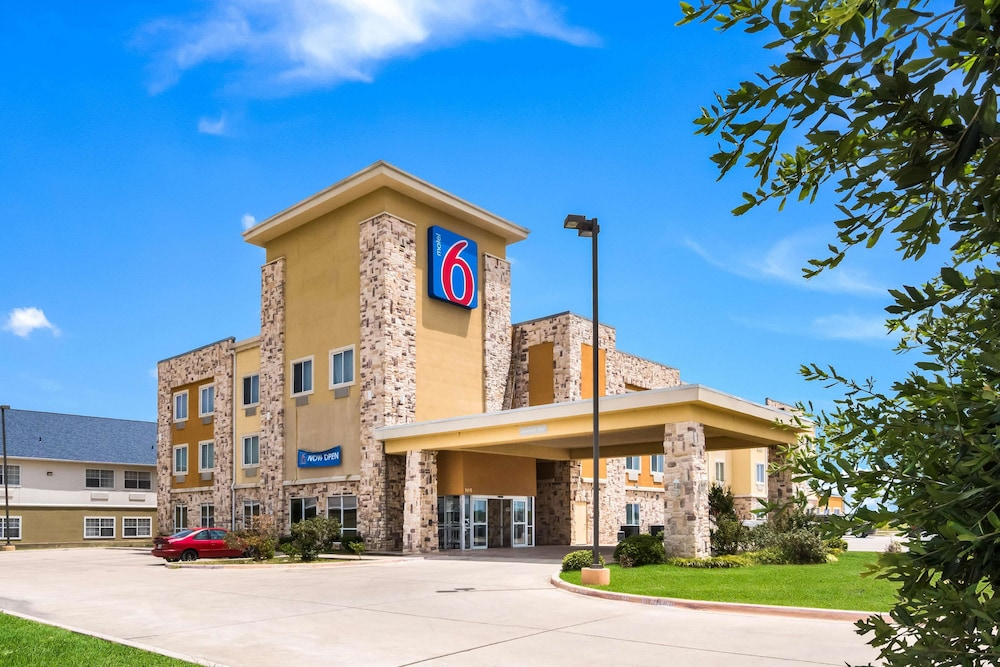 Motel 6 Mineral Wells, TX