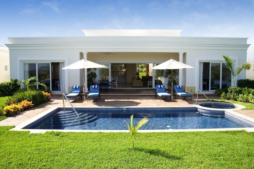 Pueblo Bonito Emerald Luxury Villas & Spa - All Inclusive