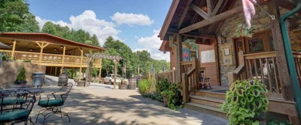 Paradise Hills Resort & Spa