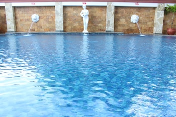 Swiss-Belhotel Tarakan - Outdoor Pool  - #0