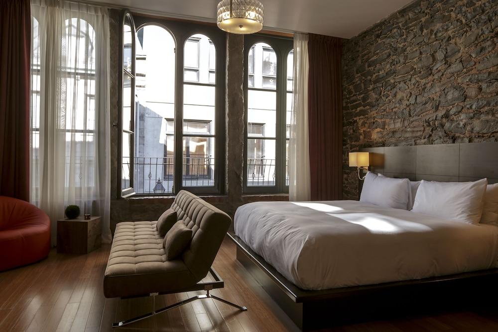 Le Petit Hotel
