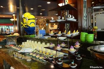 Jpark Island Resort & Waterpark Cebu Buffet