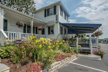 Photo for Glen Cove Inn & Suites in Rockport, Maine