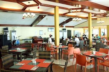 Paradise Garden Resort Hotel & Convention Center Boracay Restaurant