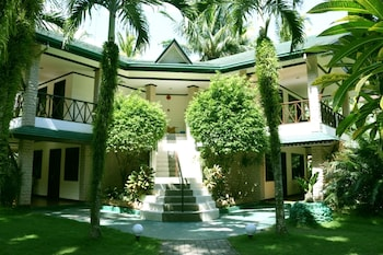 Paradise Garden Resort Hotel & Convention Center Boracay Guestroom View