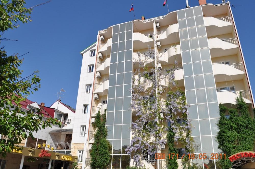 Hotel Grand Uyut