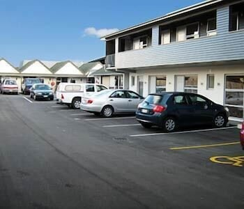 Big Five Motel