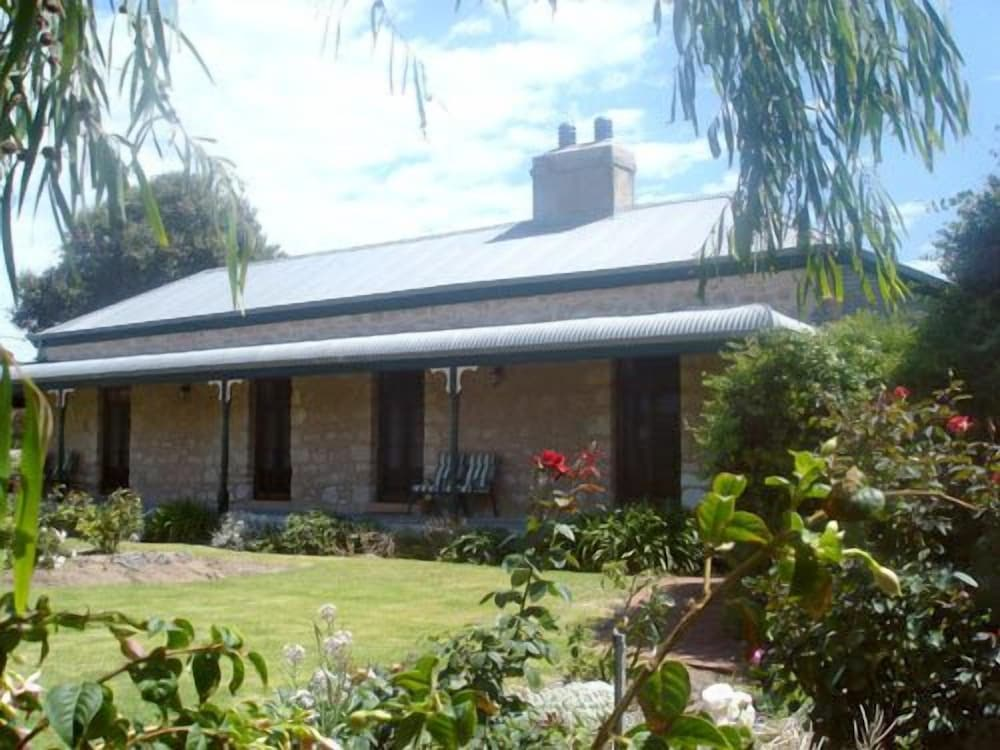 Robe House