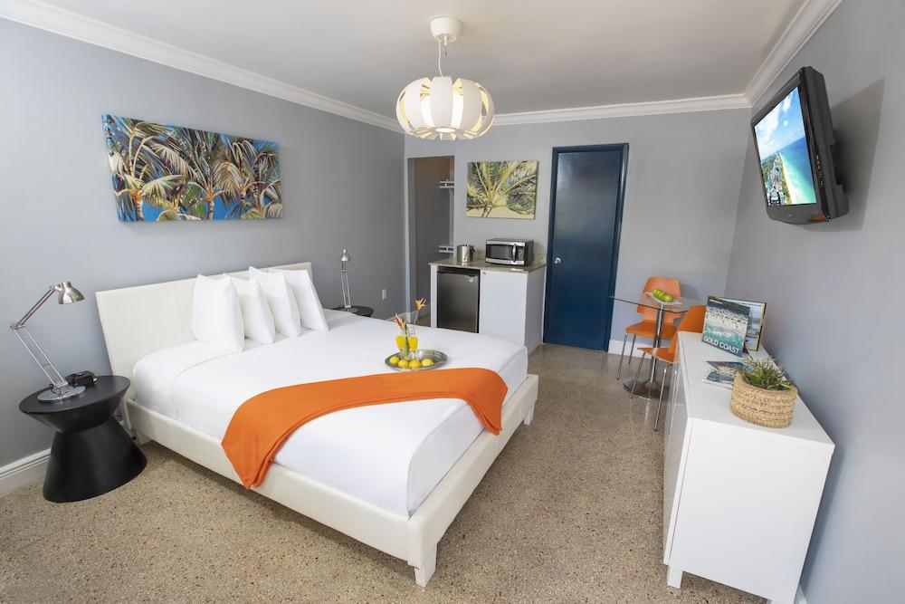 Hollywood Beach Suites, a South Beach Group Hotel