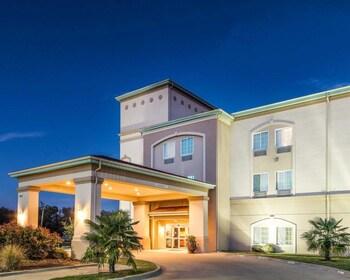 Quality Inn & Suites in Groesbeck, Texas