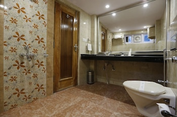 Fairmount Hotel Shimla - Bathroom  - #0