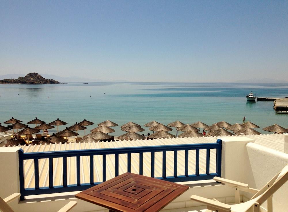 Acrogiali Beach Hotel