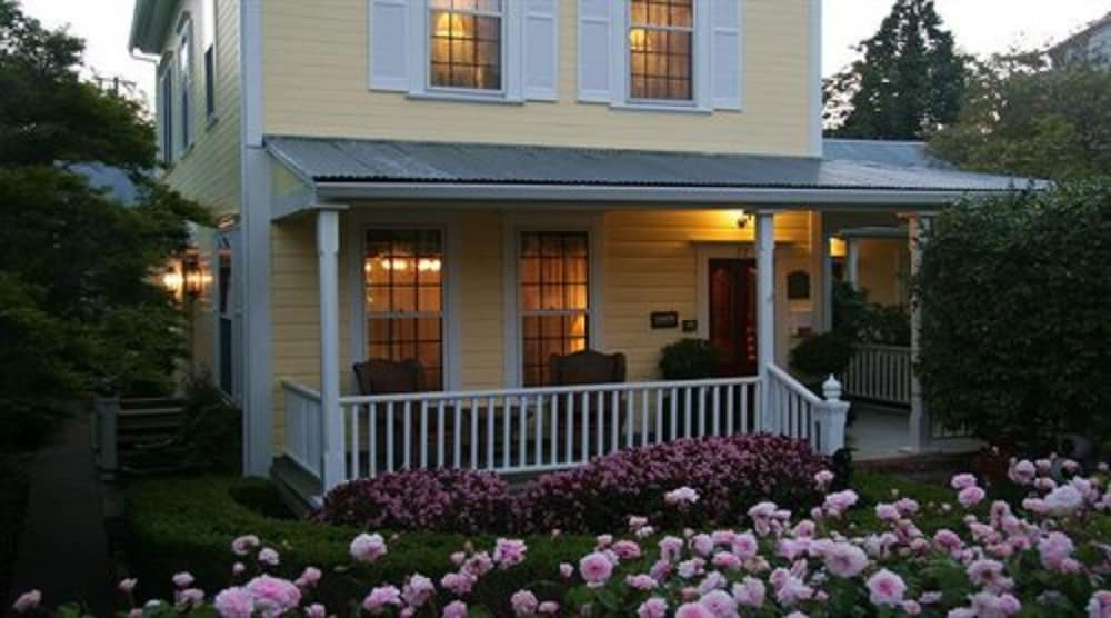 The Foxes Inn of Sutter Creek