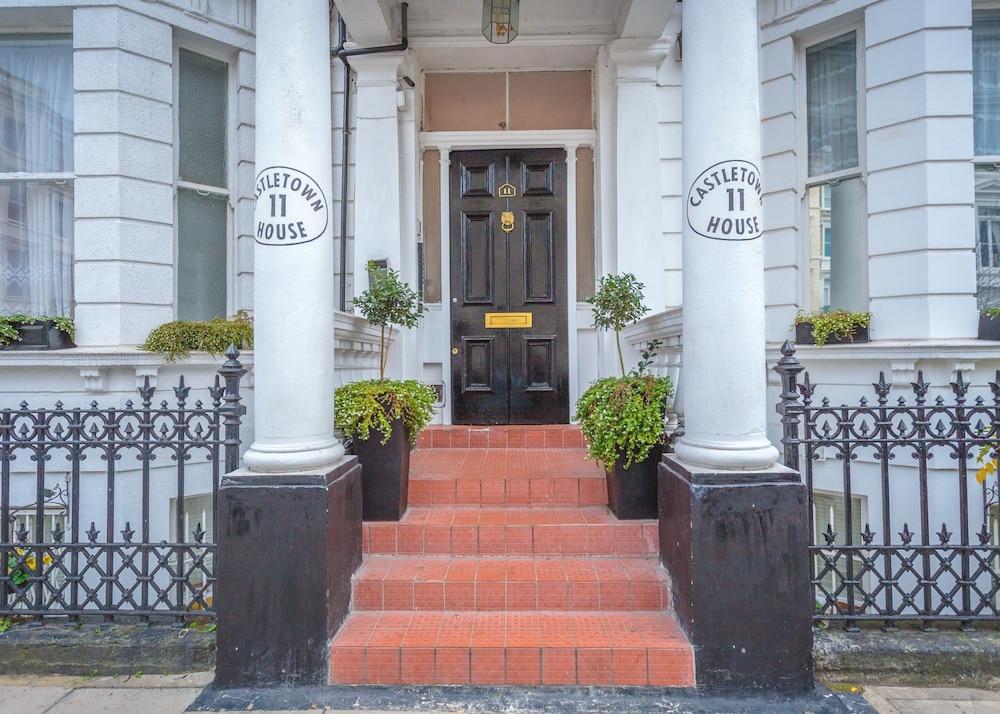 Castletown House Apartments