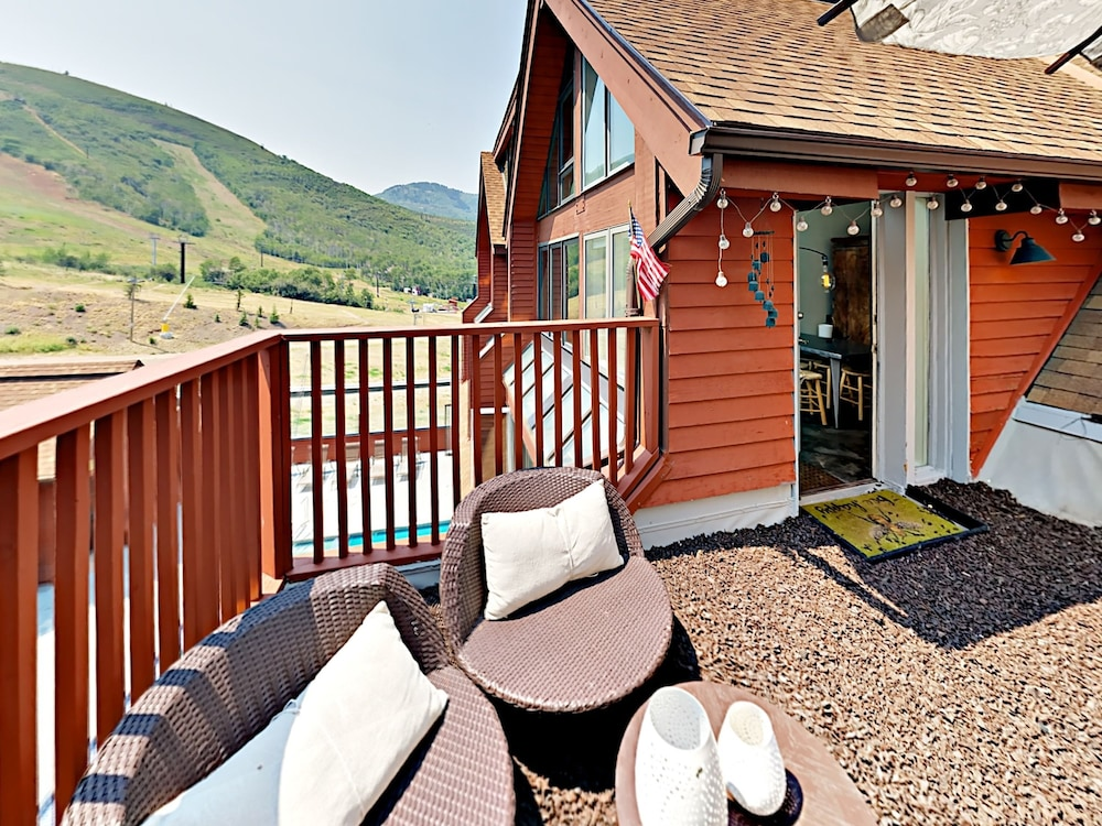 Ski-in/out 3br W/ Hot Tub & Fitness Center 3 Bedroom Condo