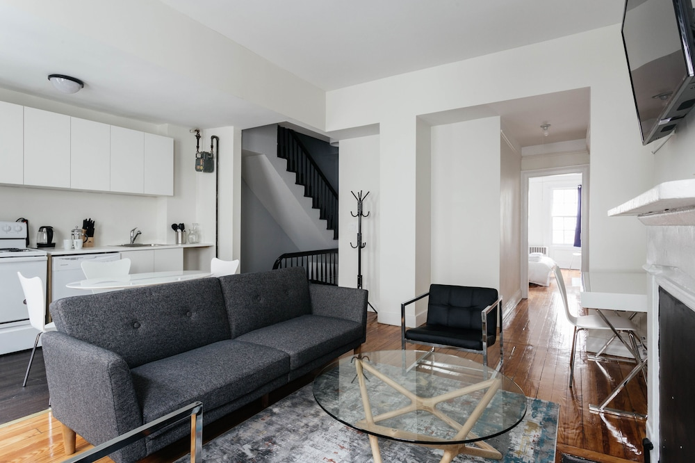 West Village 2 BR and Private Roof Deck