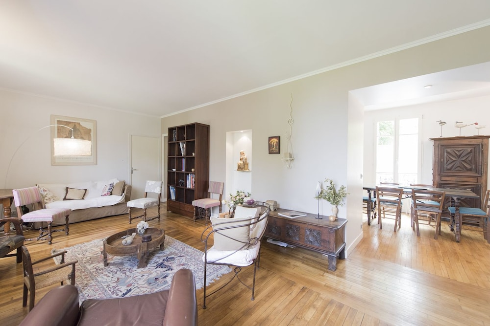 Family Home in Issy-les-Moulineaux