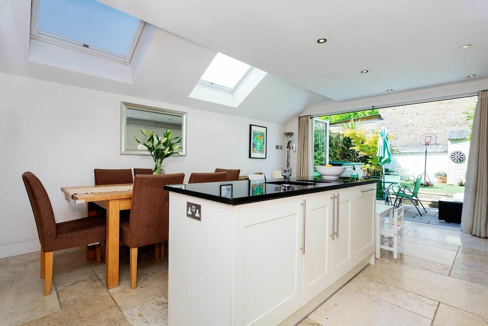 Chiswick Cottage Charm