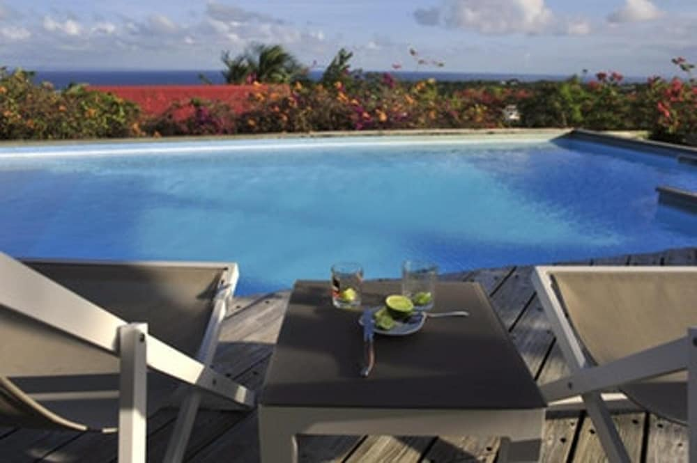 Bungalow With 2 Bedrooms in Sainte Anne, With Wonderful sea View, Pool