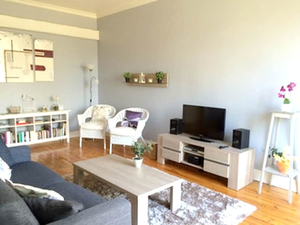 Apartment With one Bedroom in Néris-les-bains, With Wifi