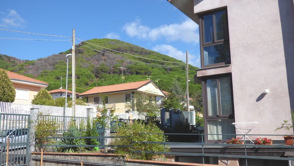 Etna Holiday Home