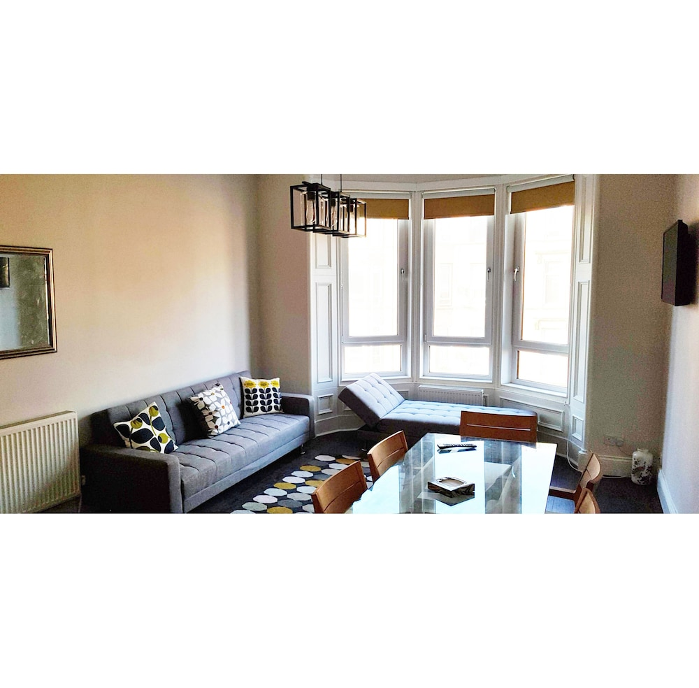 Glasgow South-side City Apartment