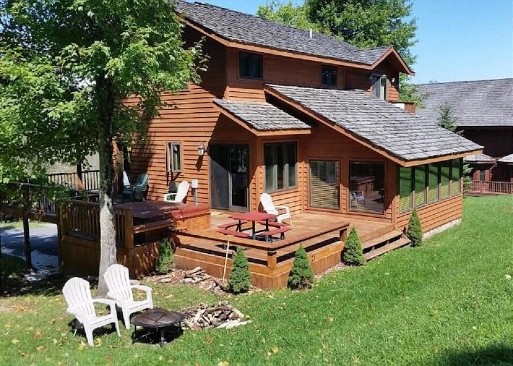 Lost River Lodge