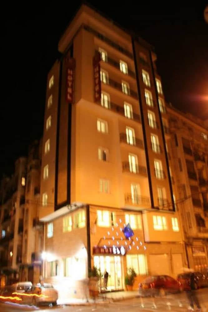 Hotel 2 Horloges Oran Price Address Reviews