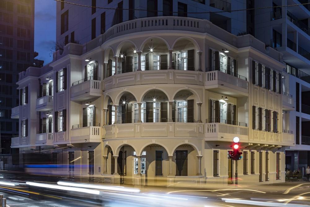 Renoma Hotel