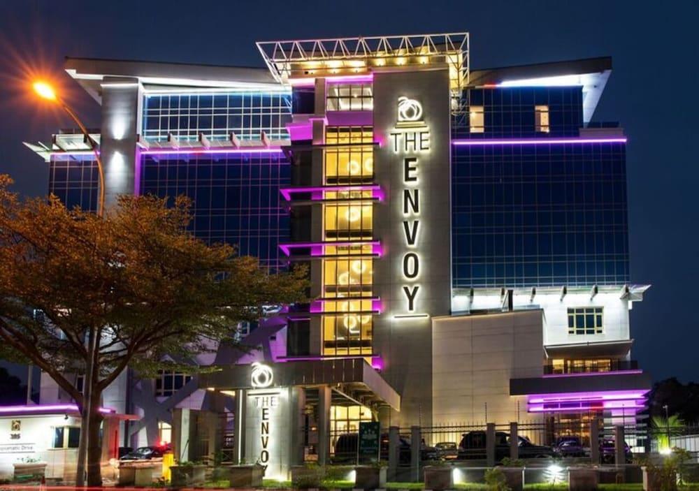 The Envoy Hotel