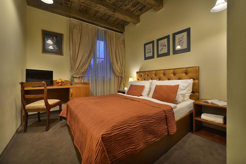 Hotel U Tri Pstrosu