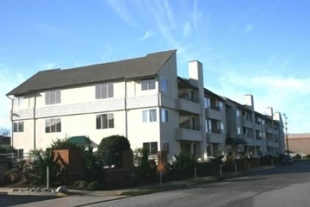 Playa Rana Condominium Unit 101 2 Bedrooms 2 Bathrooms Condo