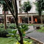 Cozy Trendy Green Palace Kalibata City Apartment photo 6/35