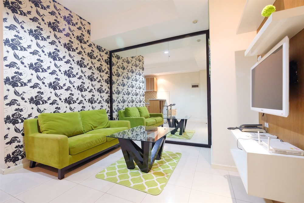 Pool View Cosmo Terrace Apartment at Thamrin City