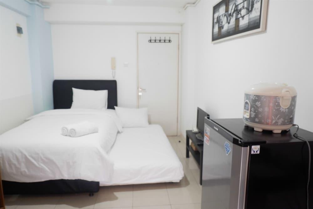 Basic Studio Green Palace Kalibata City Apartment