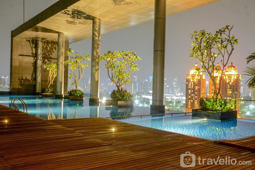 Spacious Four Winds Apartment with City View