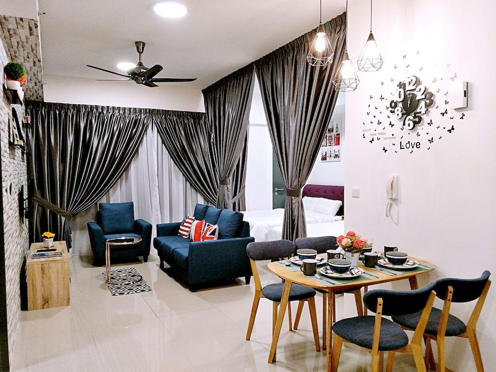 10Pax Designer Suite - Georgetown Penang