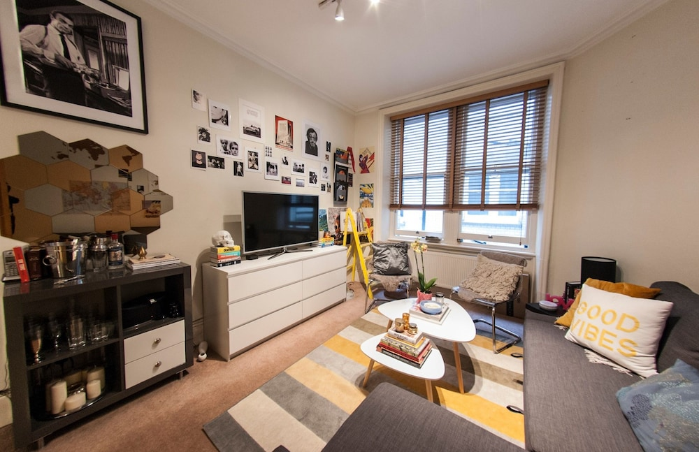 Cosy, Modern Flat in Covent Garden