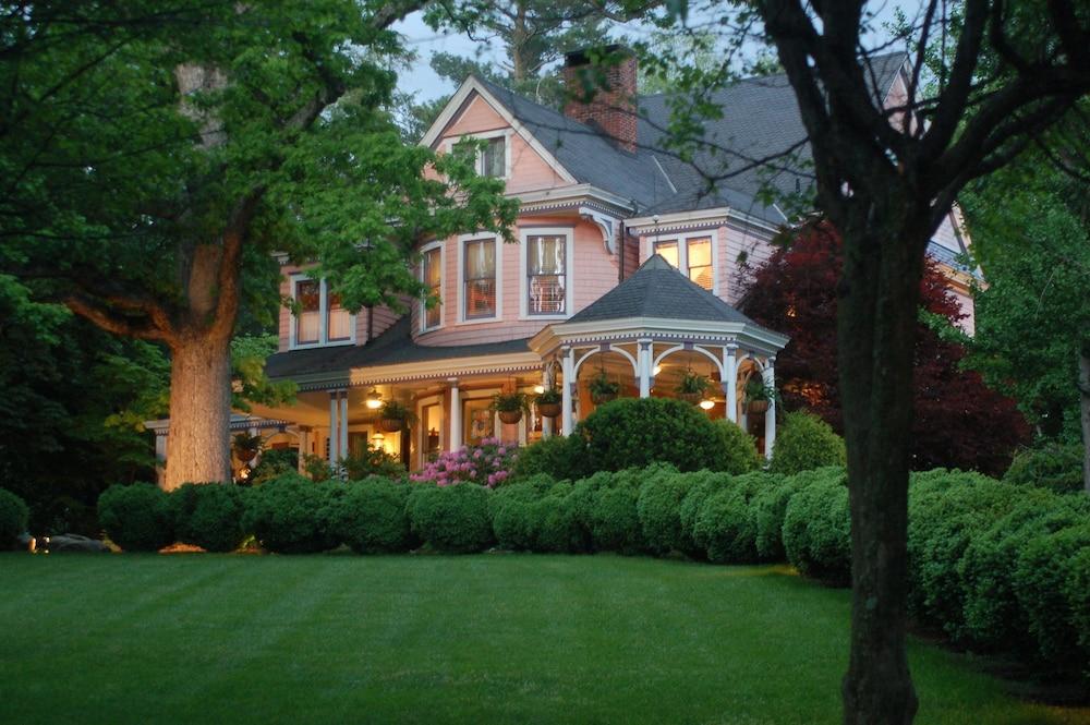Beaufort House Inn