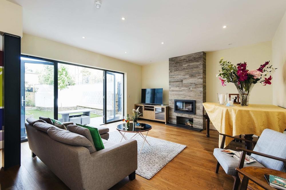 The Spacious Fulham Apartment - FOI