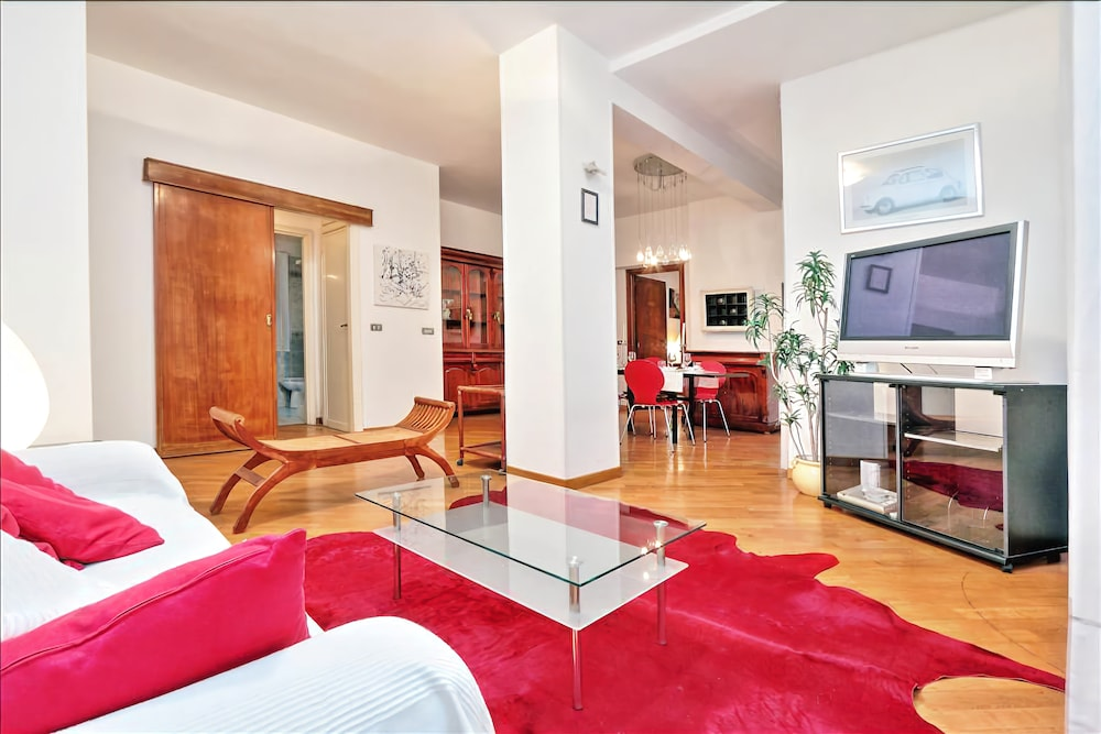 Comfortable, spacious and modern Halldis apartment with a terrace