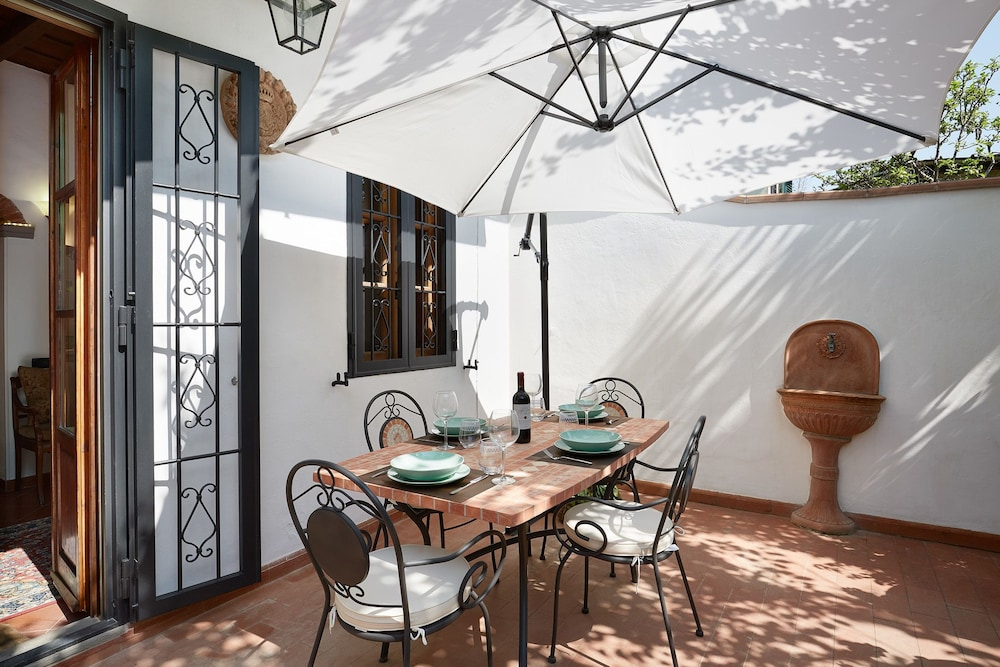 Mathilde - Apartment with 100 sqm garden, fruit trees and barbecue