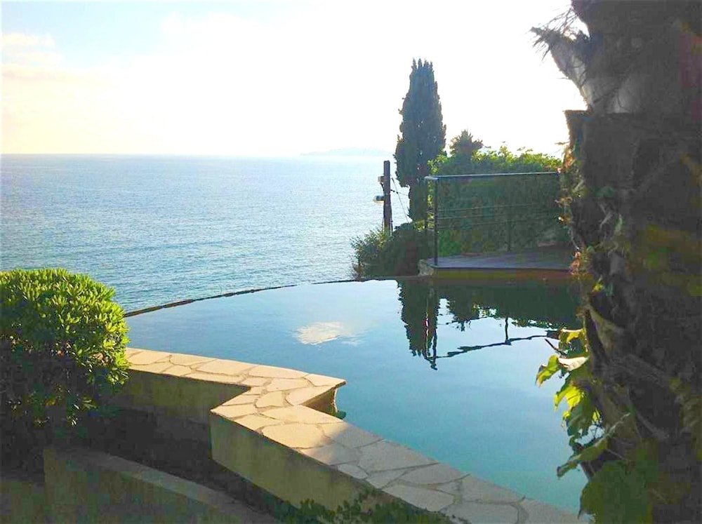 Villa With 3 Bedrooms in Marseille, With Wonderful sea View, Private P