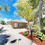 Beachside 3br W/ Private Hot Tub 3 Bedroom Home photo 13/29
