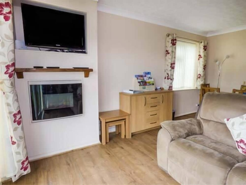Apartment 1 Runswick Lodge