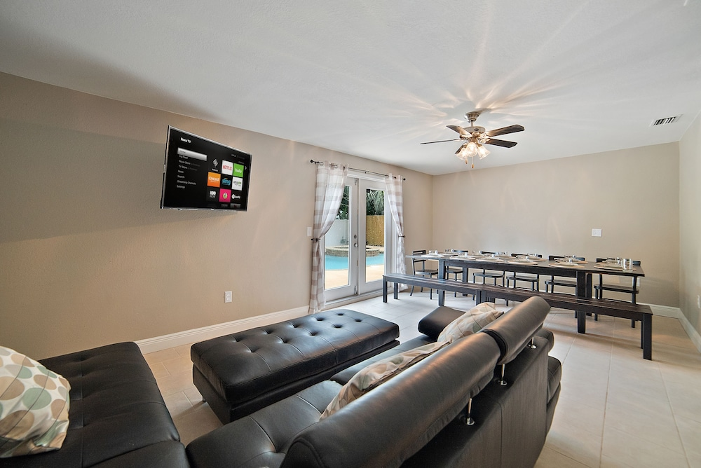 3BR House in Tampa by Tom Well IG - 3220