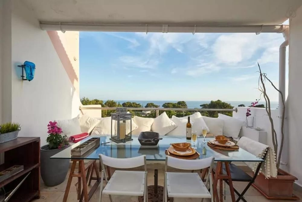 Luxury-sea-view-apartment
