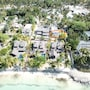 Villa With 3 Bedrooms in Quatre Cocos, With Private Pool, Terrace and photo 13/13