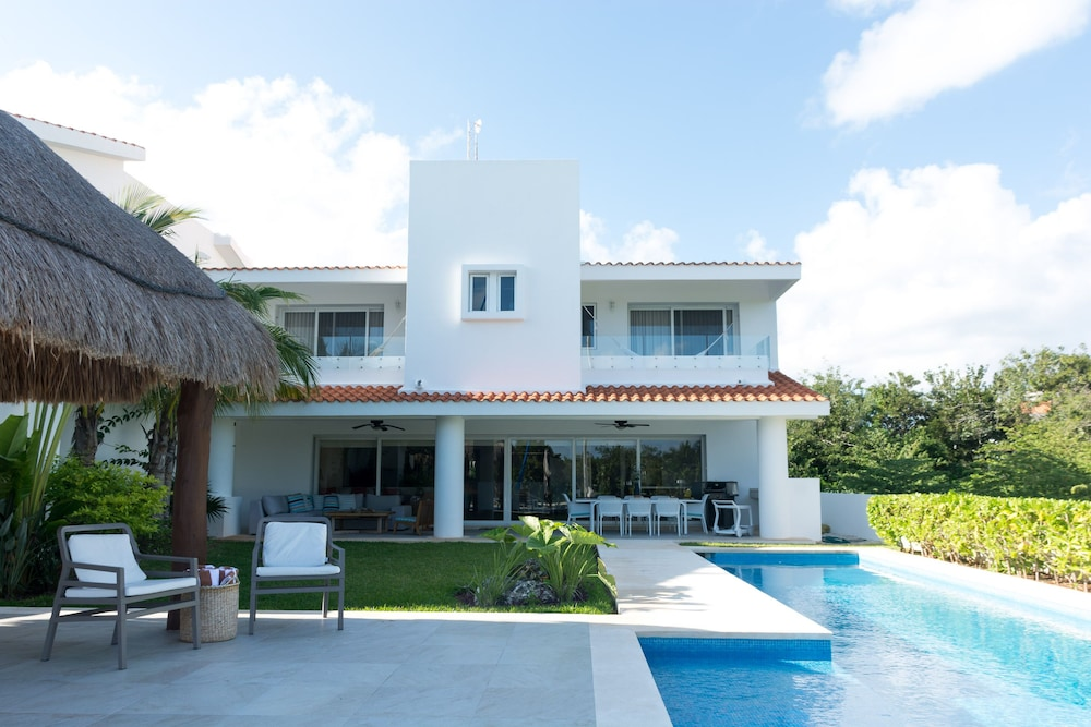 Casa Caleta, Surrounded by Nature, Ideal for Large Groups